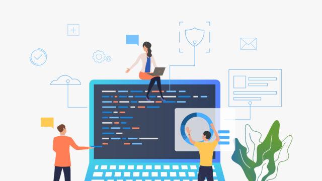 développeurs qui créent une interface web sur un ordinateur
